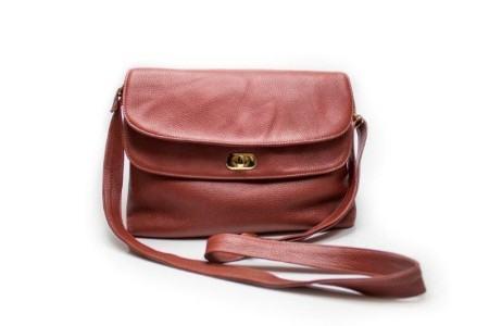 bolsa feminina transversal de couro estilo carteiro