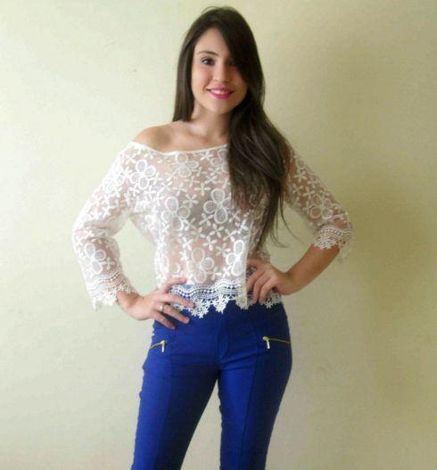 imagem 21 1 490x527 Lindas Blusas femininas com renda pra usar com calça ou saia, veja looks
