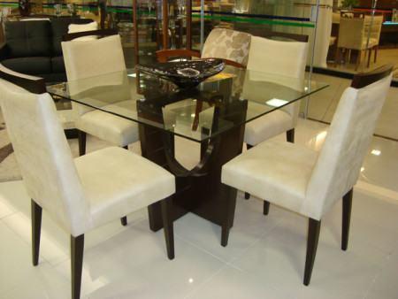 mesa de jantar quadrada 4 lugares com tampo de vidro 450x338 Tipos de MESAS DE 4 CADEIRAS para jantar em família