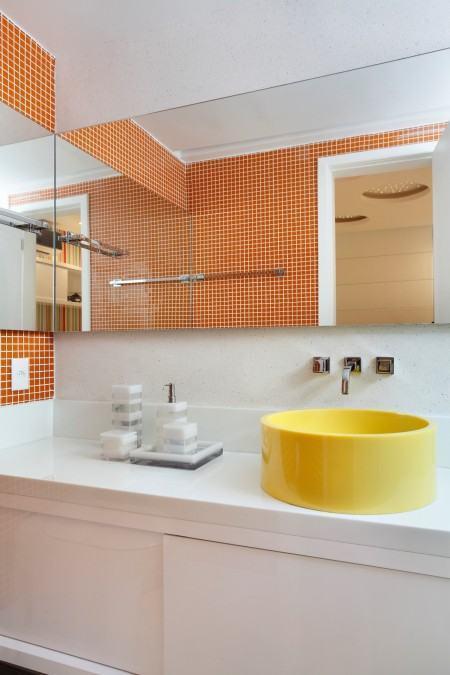 pastilha moderna pra banheiro 450x675 Pastilhas para banheiro decorativas ideais revestir as paredes
