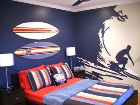 quarto jovem adesivado 450x337 Conheça os Adesivos decorativos de parede mais legais, 2 Tutoriais para colar os adesivos