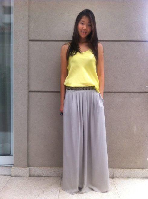 regatinha feminina amarela com saia longa 490x656 As mais perfeitas BLUSINHAS FEMININAS REGATINHAS moda jovem