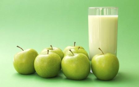 suco emagrecedor com mel linhaca e maçã