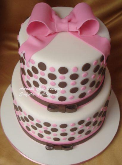 bolo para aniversario de menina 410x552 Bolos decorados para aniversários e festas (Infantil ou adulto)