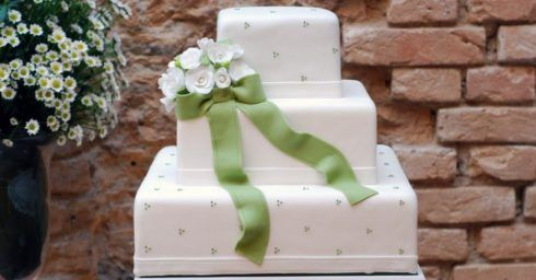 bolo quadrado de 3 andares para casório