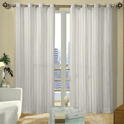 cortina varao para sala listrada 410x409 Tipos de CORTINA PARA SALA DE ESTAR, Persianas, Varão e muito mais