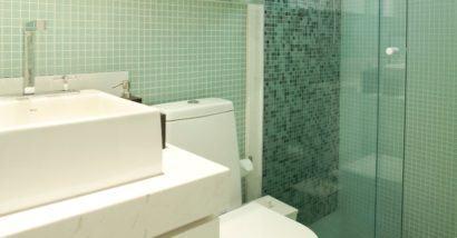 fotos banheiros com pastilhas verdes