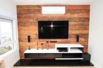 fotos painel de tv com madeira de demolicao