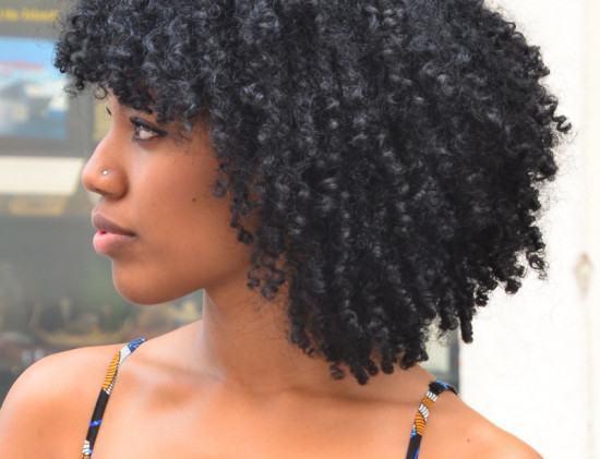 Hidratação para cabelos crespos caseiras e as dos salões