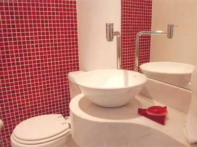 pastilhas vermelhas pro banheiro