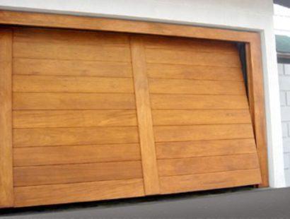 portao para garagem de madeira basculante