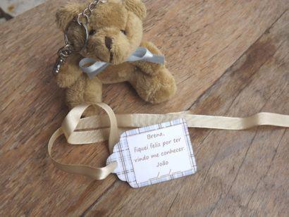 lembrancinha de nascimento ursinho de pelucia chaveiro 410x308 Modelos de Lembrancinhas para nascimento do bebê