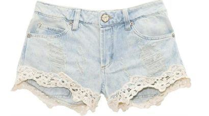 shorts customizado com renda rasgado