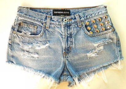 shorts customizado rasgadinho com strass