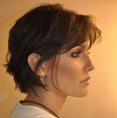 cabelos repicados curtos deborah secco 490x494 Cortes de CABELOS REPICADOS curtos na moda