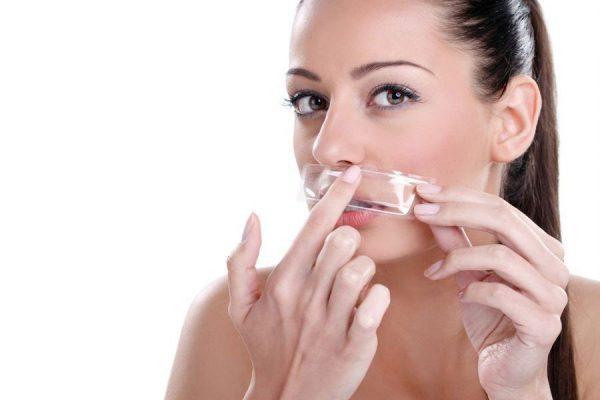 Como depilar o buço sem irritar a pele