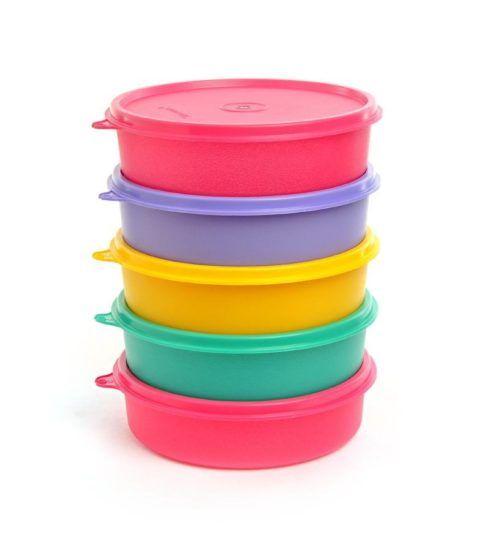 bacias plastiacs tupperware 490x539 Chá de cozinha lista do que pedir para o enxoval