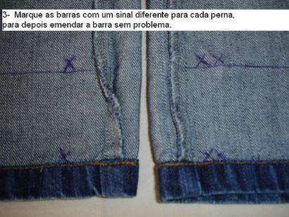 dicas de como fazer barra de cal%C3%A7a jeans original 410x308 Como fazer barra de calça jeans original