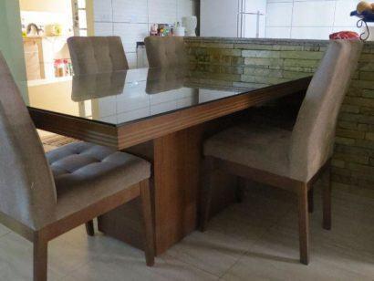 mesa de jantar de retangular com base de madeira