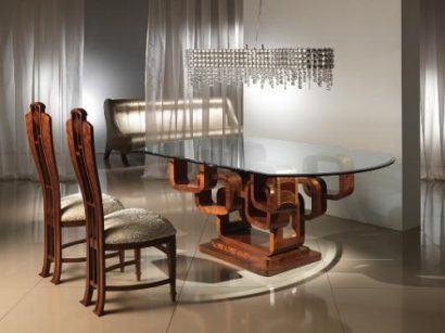 mesa de jantar moderna de vidro com base em madeira decorada