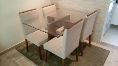 mesa de jantar quatro cadeiras de vidro