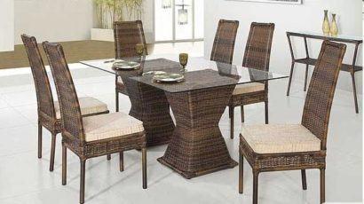 mesa de jantar seis lugares de vidro e junco sintético