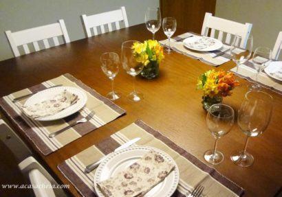 mesa de jantar simples com oito cadeiras