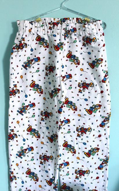 molde de pijama de moletom estampado infantil