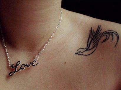 tattoos femininas legais no ombro 410x306 Especial TATTOOs FEMININAS LEGAIS desenhos lindos