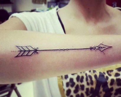 tatuagem feminina discreta grande 410x327 Especial TATTOOs FEMININAS LEGAIS desenhos lindos