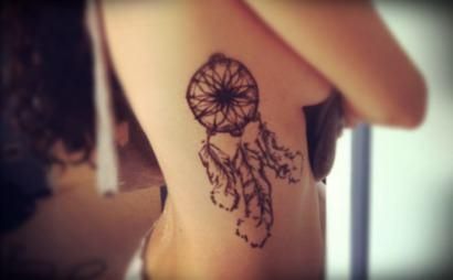 tatuagens femininas na costela 1 410x254 Especial TATTOOs FEMININAS LEGAIS desenhos lindos