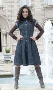 vestido jeans com bota moda evangelica Vestidos jeans evangélicos belos e perfeitos
