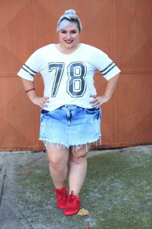 imagem 20 1 490x735 Como usar Saia jeans com tênis looks lindos modernos e descolados