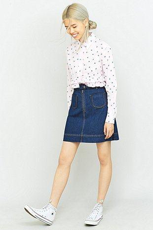 imagem 27 Como usar Saia jeans com tênis looks lindos modernos e descolados