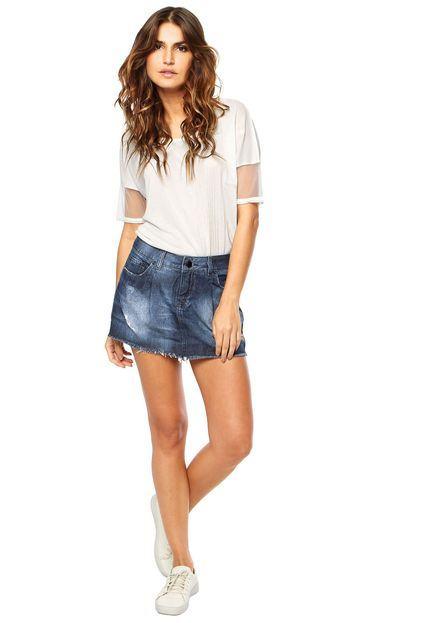 mini saia jeans tenis branco Como usar Saia jeans com tênis looks lindos modernos e descolados