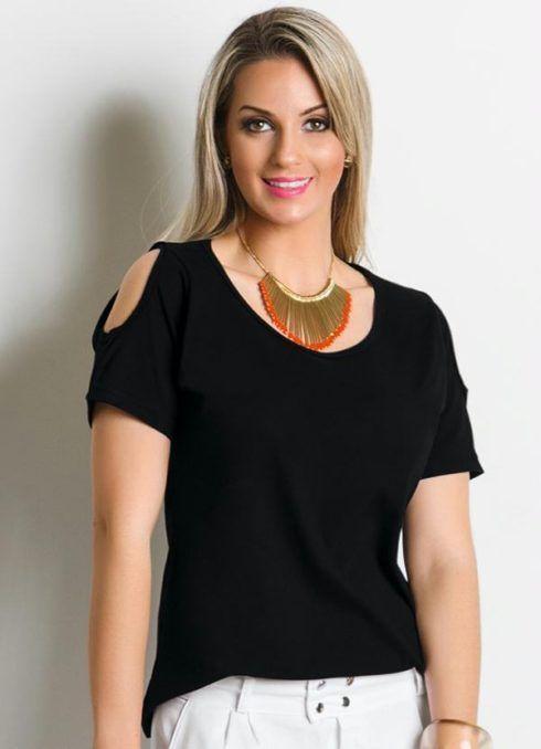blusa feminina detalhe com recorte preta 490x678 Modelos de blusas : Regatinhas, modelos justinhos e muito mais