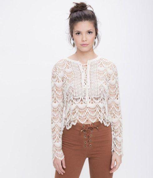 blusas de renda feminina 490x568 Modelos de blusas : Regatinhas, modelos justinhos e muito mais