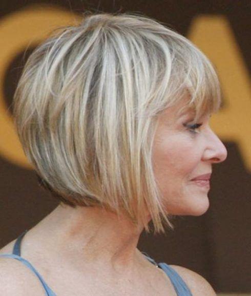 cabelos curtos chanel para senhoras 490x578 Cortes de cabelo curto para senhoras em fotos comentadas