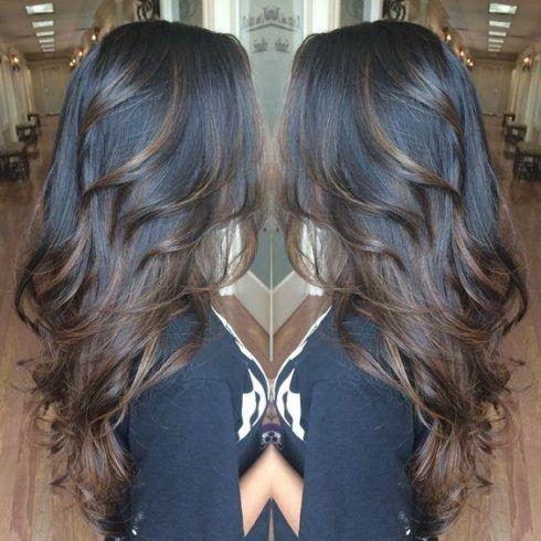 cabelos escuros com mechas tons caramelo 490x490 MECHAS PARA CABELOS ESCUROS: Inspire-se nos looks moderninhos