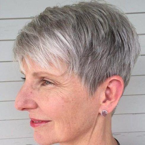 corte curtinho desfiado para senhoras 490x490 Cortes de cabelo curto para senhoras em fotos comentadas