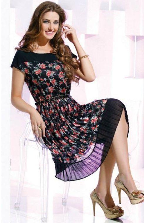 vestido preto floral moda evangelica 490x761 Vestidos evangélicos modelos tubinho e muito mais