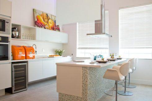 imagem 18 490x327 COZINHA COM ILHA NO MEIO : 30 ideias para ter a cozinha perfeita