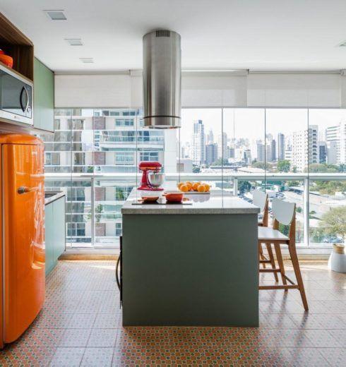 imagem 28 490x520 COZINHA COM ILHA NO MEIO : 30 ideias para ter a cozinha perfeita