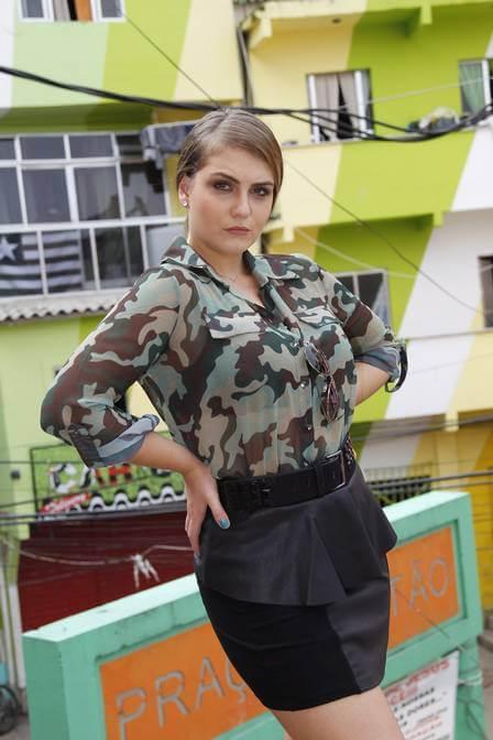 imagem 27 Blusinha e camisa CAMUFLADA feminina siga a tendência