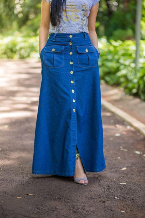 saia longa jeans 490x735 SAIAS longas da Moda : Conheça os modelos atuais
