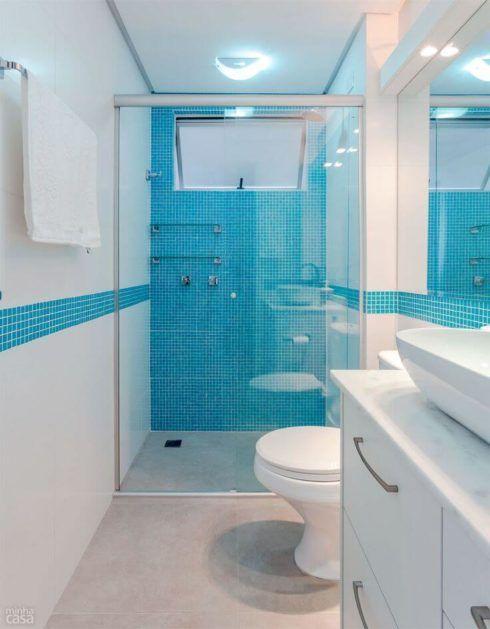 banheiro simples com pastilha 1 490x629 BANHEIRO SIMPLES acabamentos que deixam o banheiro moderno