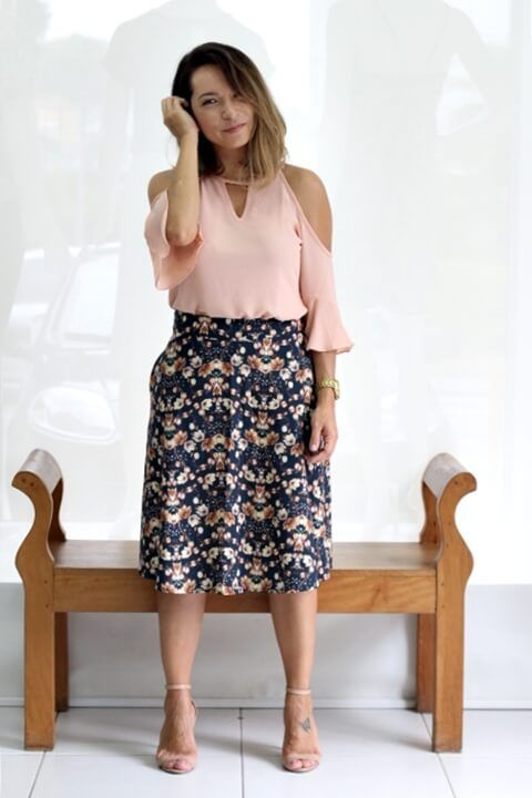 blusa ombro vazado com saia 1 BLUSA OMBRO VAZADO modelos para usar e ficar linda