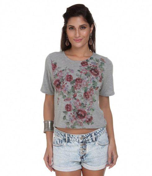 blusas femininas curtas 3 490x568 Modelos de BLUSAS femininas que estão na moda
