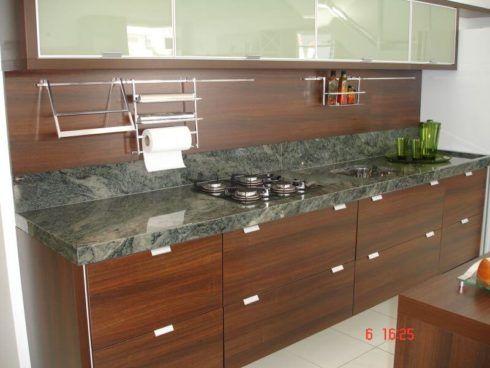 cozinha com granito verde 1 490x368 GRANITO VERDE UBATUBA na cozinha, banheiro e mais