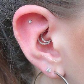 daith piercing Tipos de PIERCING NA ORELHA conheça cada detalhe
